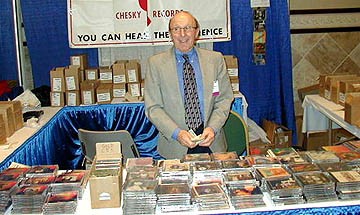 Chesky's Sal at Booth.jpg (37405 bytes)